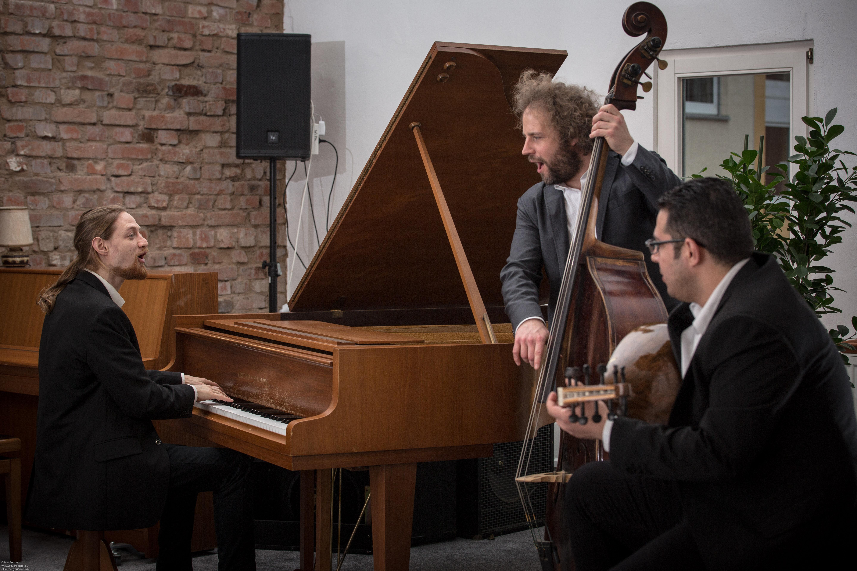 Trio s singend2